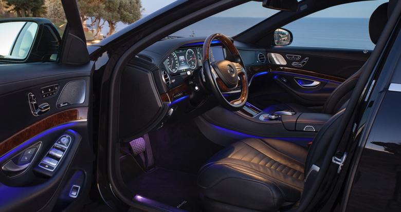 alquiler-coche-con-conductor-clase-e-interior-delantero-transfer