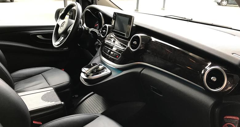 clase-v-interior-delantero-alquiler-coche-con-conductor-transfer